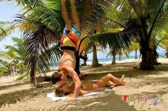 beach kissing position